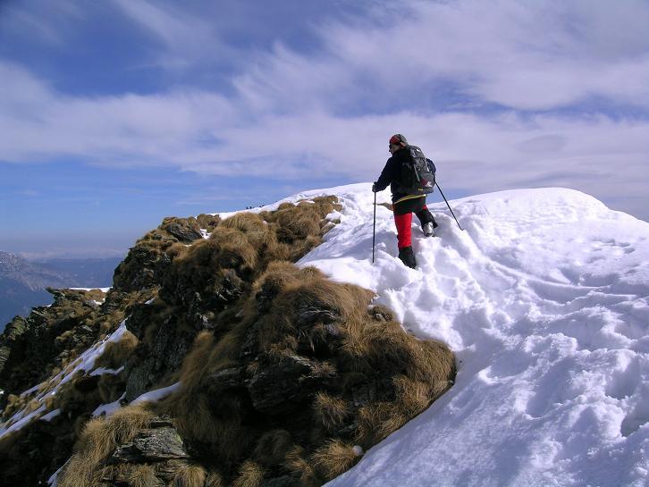 Foto: Andreas Koller / Skitour / Pleschnitzzinken mit Variationen (2112 m) / Ausgesetzter Grat zwischen den Gipfeln / 09.04.2007 22:44:33