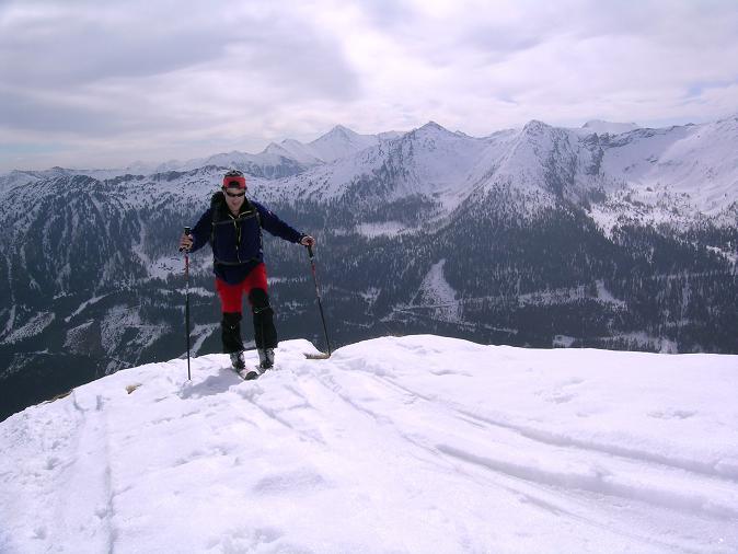 Foto: Andreas Koller / Skitour / Pleschnitzzinken mit Variationen (2112 m) / Im Aufstieg von O gegen Wölzer Tauern / 09.04.2007 22:47:51