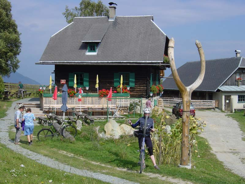Foto: Corinna Mößlacher / Mountainbike Tour / Durch die Sonnseit´n - Weissensee / Alm hinterm Brunn / 03.05.2007 16:32:04