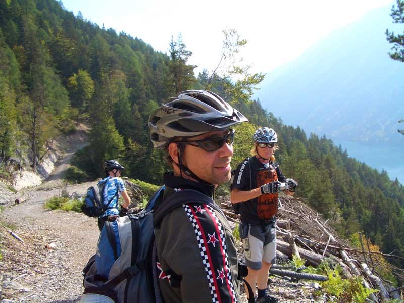 Foto: Corinna Mößlacher / Mountainbike Tour / Durch die Sonnseit´n - Weissensee / durch die Sonnseit´n / 10.05.2007 10:23:27