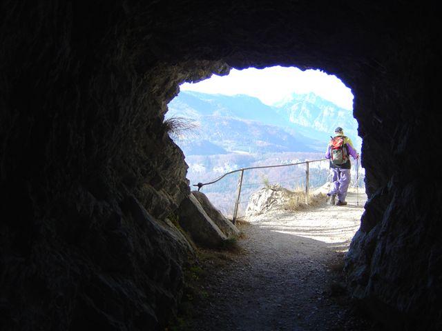 Foto: Alpinfreunde / Wander Tour / Von der Radluckn Hütte über die Ewige Wand auf den Predigstuhl / 19.04.2007 20:02:25