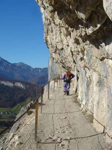 Foto: Alpinfreunde / Wander Tour / Von der Radluckn Hütte über die Ewige Wand auf den Predigstuhl / 19.04.2007 20:02:45