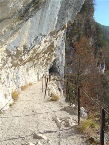 Foto: Alpinfreunde / Wander Tour / Von der Radluckn Hütte über die Ewige Wand auf den Predigstuhl / 19.04.2007 20:03:03