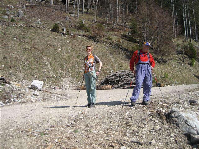 Foto: Jogal / Wander Tour / Von Scharnstein auf den Hochsalm / 22.04.2007 19:53:36
