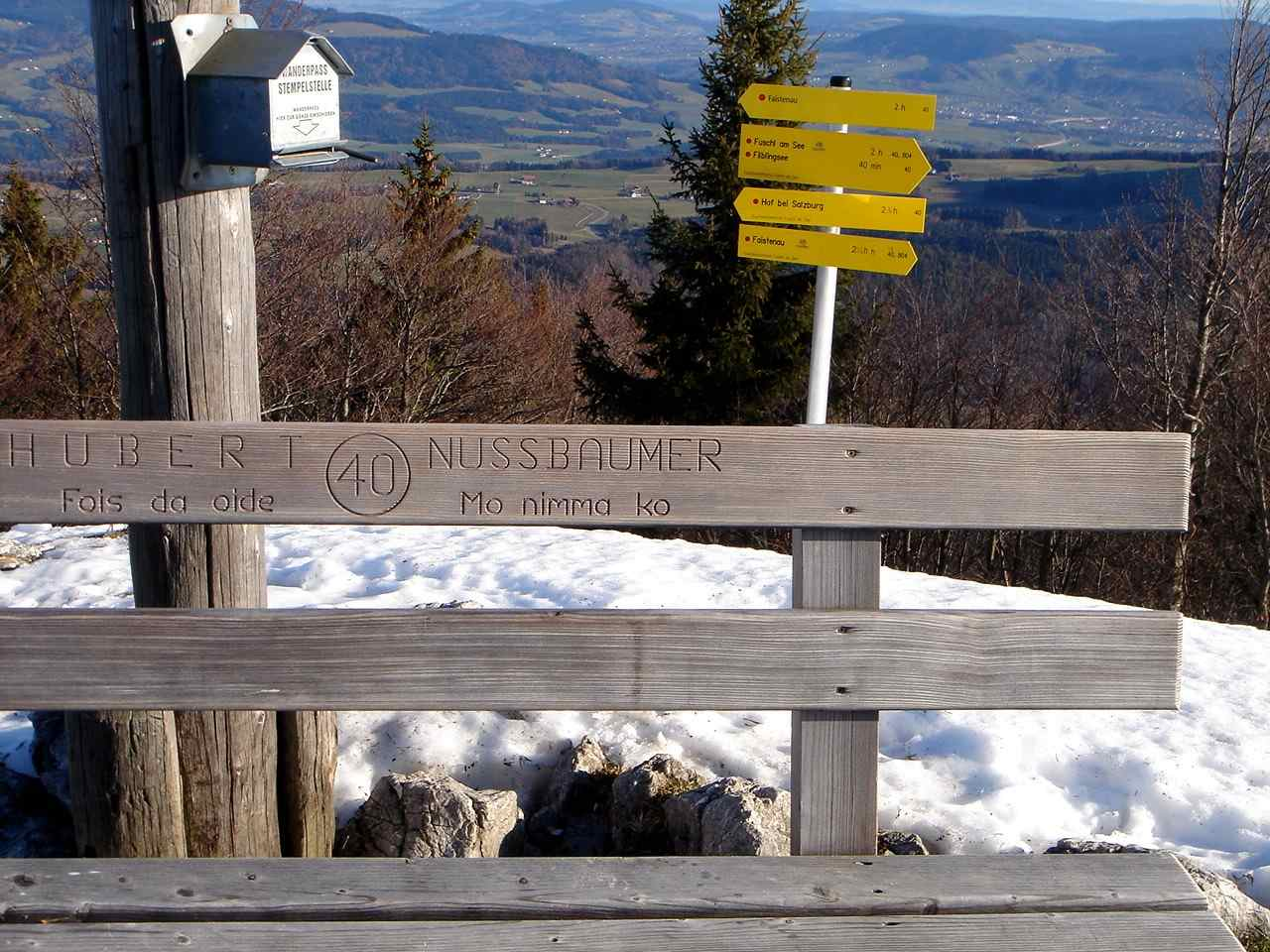 Foto: Manfred Karl / Wander Tour / Aus der Tiefbrunnau auf den Filbling / Am Gipfel wurde auch für ältere Semester Vorsorge getroffen ;-)! / 25.04.2007 23:27:38