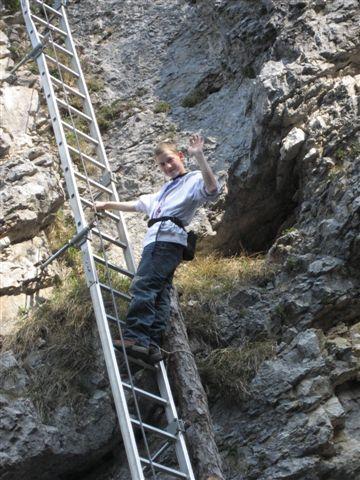 Foto: Alpinfreunde / Wandertour / Über den Naturfreundesteig auf den Traunstein / 29.04.2007 19:57:21