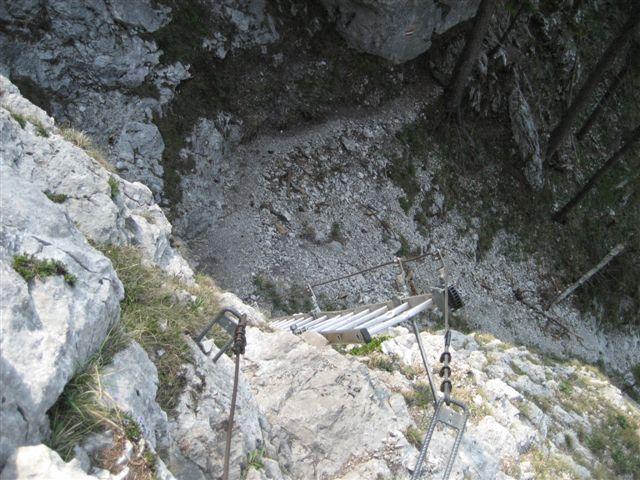 Foto: Alpinfreunde / Wandertour / Über den Naturfreundesteig auf den Traunstein / 29.04.2007 19:57:55