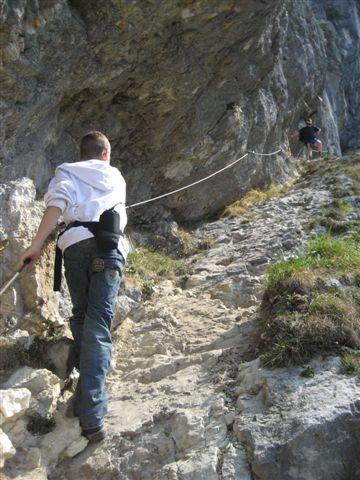 Foto: Alpinfreunde / Wandertour / Über den Naturfreundesteig auf den Traunstein / 29.04.2007 19:58:19