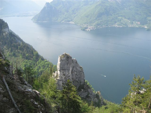 Foto: Alpinfreunde / Wandertour / Über den Naturfreundesteig auf den Traunstein / 29.04.2007 19:58:48