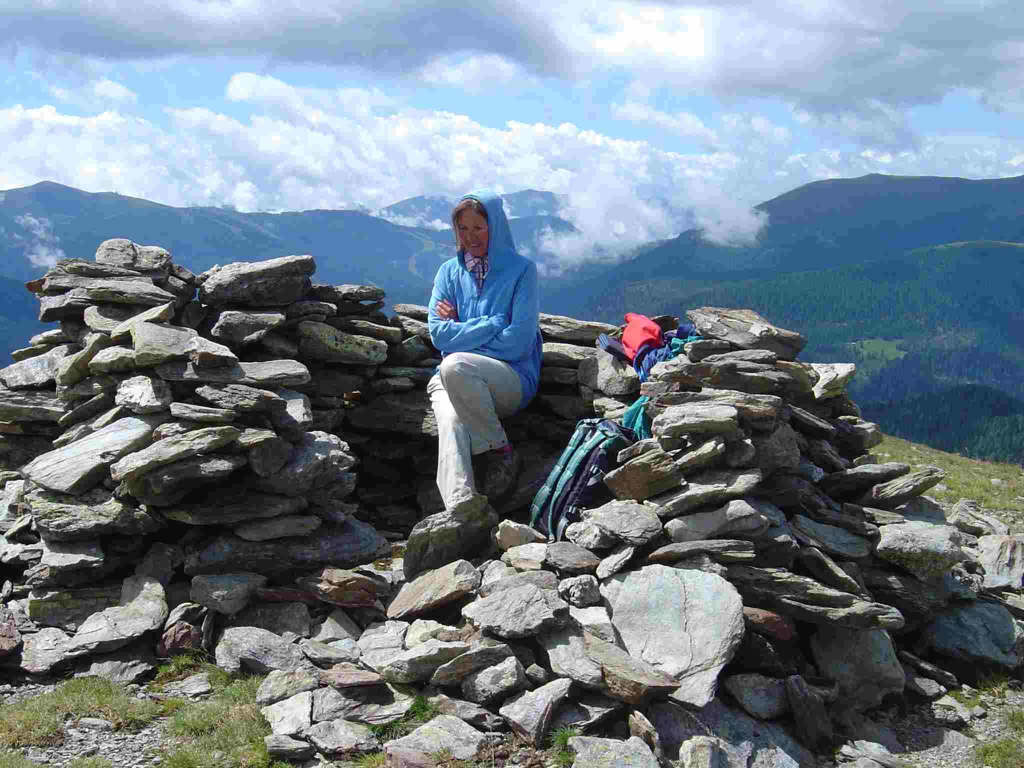 Foto: Manfred Karl / Wander Tour / Von St. Lorenzen auf den Speikkofel / Windschutz am Kleinen Speikkofel. / 03.05.2007 06:26:11