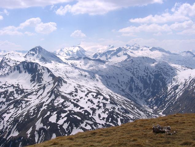 Foto: Andreas Koller / Wander Tour / Auf die Felskarspitze (2506m) / Die Hohen Tauern um die Ankogel-Gruppe zum Greifen nahe / 30.04.2007 20:43:18
