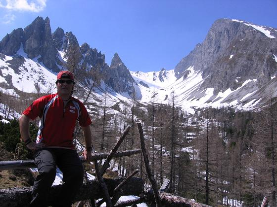 Foto: Andreas Koller / Wander Tour / Auf die Felskarspitze (2506m) / Dolomitenaritge Landschaft / 30.04.2007 20:48:25