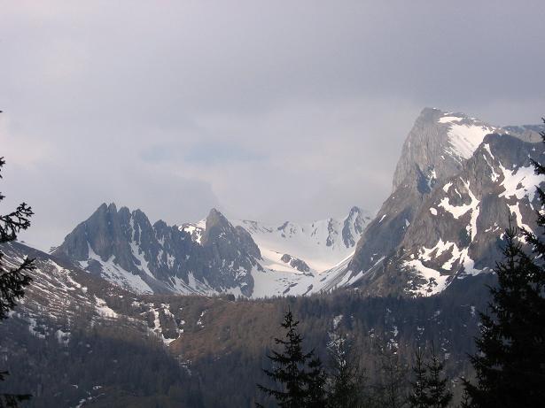 Foto: Andreas Koller / Wandertour / Große Guglspitze - stille Tour im Hochfeindkamm (2638 m) / Blick auf das Weißeck (2711 m) und die