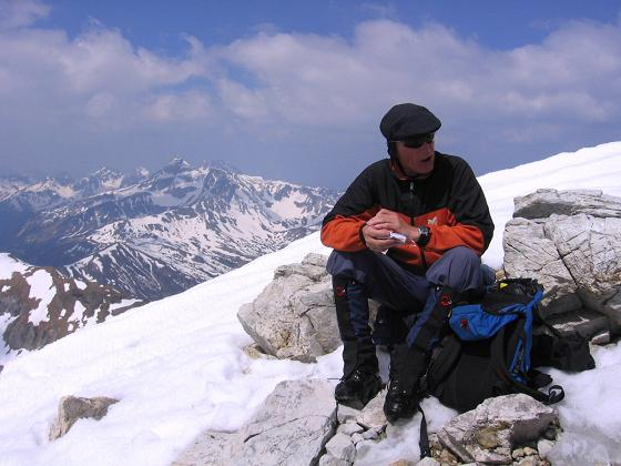 Foto: Andreas Koller / Wander Tour / Große Guglspitze - stille Tour im Hochfeindkamm (2638 m) / Am Gipfel gegen Weißeck (2711 m) / 30.04.2007 21:33:32