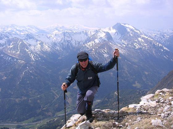 Foto: Andreas Koller / Wandertour / Große Guglspitze - stille Tour im Hochfeindkamm (2638 m) / Anstieg auf die Kleine Gugl / 30.04.2007 21:36:53