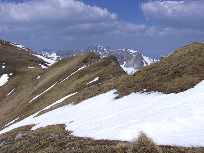 Foto: Andreas Koller / Wandertour / Große Guglspitze - stille Tour im Hochfeindkamm (2638 m) / Der Grat zurück in die Rothenkar Scharte / 30.04.2007 21:38:07