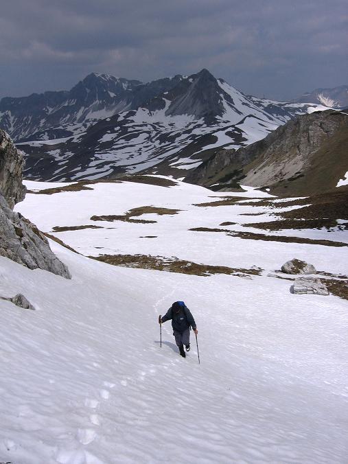 Foto: Andreas Koller / Wander Tour / Große Guglspitze - stille Tour im Hochfeindkamm (2638 m) / Stampferwand um Hintergrund / 30.04.2007 21:28:25