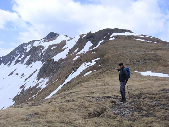 Foto: Andreas Koller / Wander Tour / Große Guglspitze - stille Tour im Hochfeindkamm (2638 m) / In der Rothenkar Scharte mit Zwillingwand / 30.04.2007 21:29:03