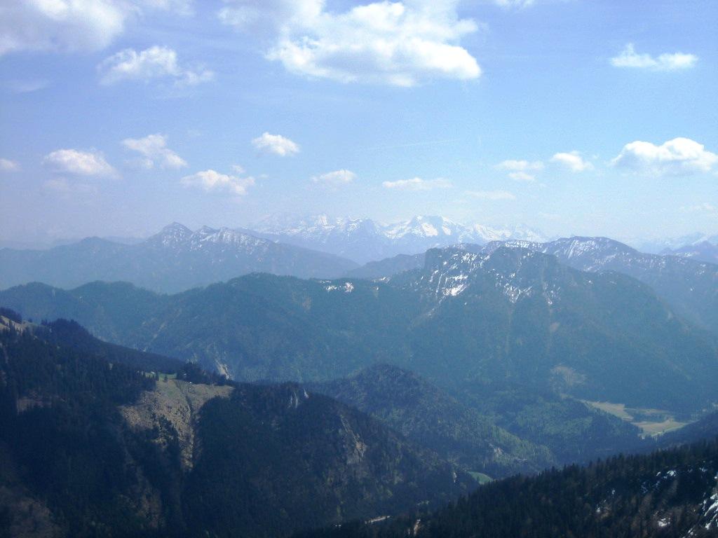 Foto: seiltänzerin / Wander Tour / Gipfelwanderung Hochgern / Aussicht vom Gipfel / 01.05.2007 01:14:17