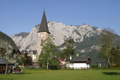 Foto: Lenswork.at / Ch. Streili / Wander Tour / Rund um den Altausseer See / Altausseer Kirche / 03.05.2007 13:54:08