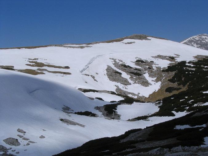 Foto: Andreas Koller / Wandertour / Angererkogel - Runde (2114 m) / Blick zum Angererkogel im Nazogl-Anstieg / 02.05.2007 22:01:27