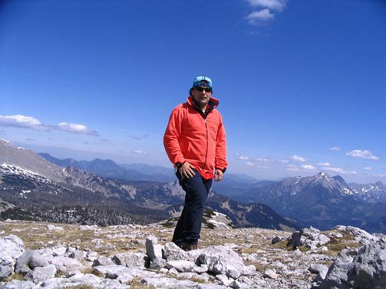 Foto: Andreas Koller / Wandertour / Angererkogel - Runde (2114 m) / Am Angererkogel-Gipfel / 02.05.2007 21:49:13