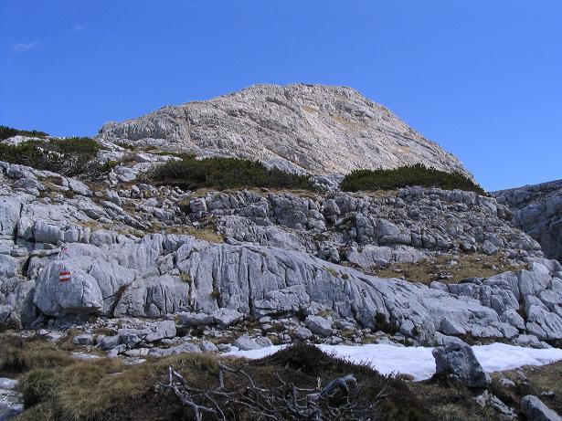 Foto: Andreas Koller / Wandertour / Angererkogel - Runde (2114 m) / Gipfelaufbau am Nazogl / 02.05.2007 22:08:15