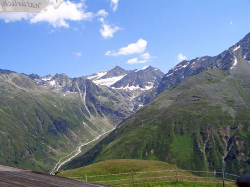 Foto: vince 51 / Wander Tour / Von Mandarfen auf den Brandkogel / Blick ins hinterste Pitztal mit Schwarzer Schneid und Linkem Fernerkogel / 03.05.2007 21:15:55