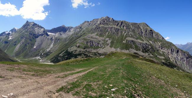 Foto: vince 51 / Wander Tour / Von Mandarfen auf den Brandkogel / links Hoher Kogel, Mitte Zurag-Kogel, rechts Brandkogel / 03.05.2007 21:05:44