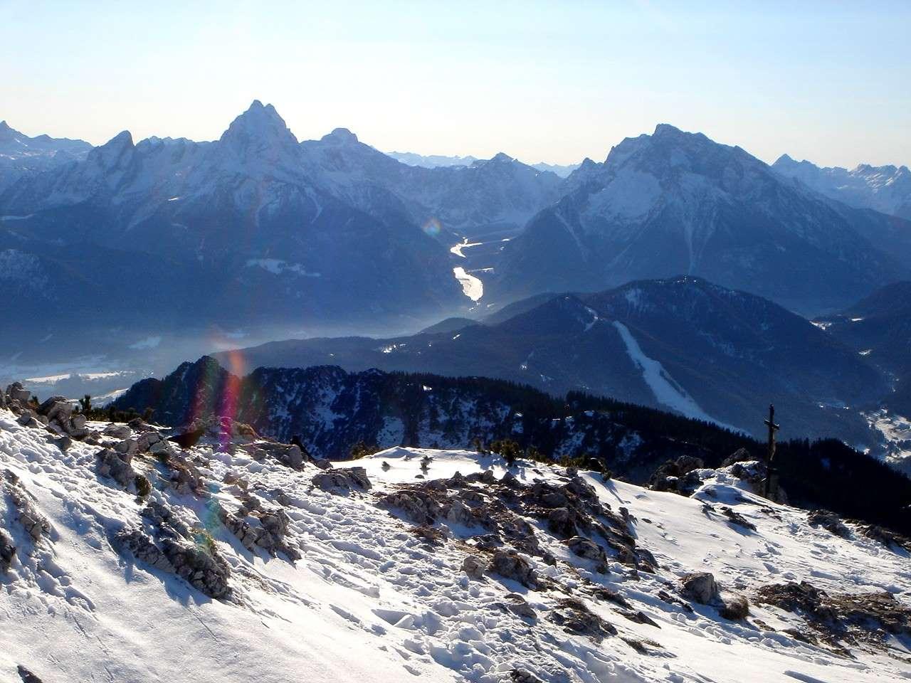Foto: Manfred Karl / Wander Tour / Von Bischofswiesen auf den Berchtesgadener Hochthron / Auch in schneearmen Winter ist der Aufstieg auf den Berchtesgadener Hochthron meist kein allzu großes Problem. / 17.05.2007 20:55:27