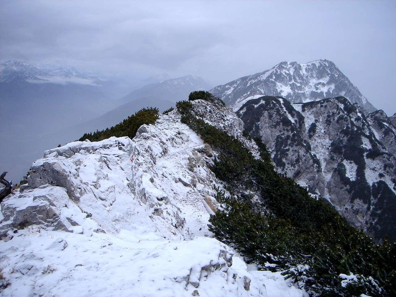Foto: Manfred Karl / Wander Tour / Von der Padinger Alm auf den Hochstaufen / Bei Schneelage ist stellenweise Vorsicht geboten. / 18.05.2007 06:57:07