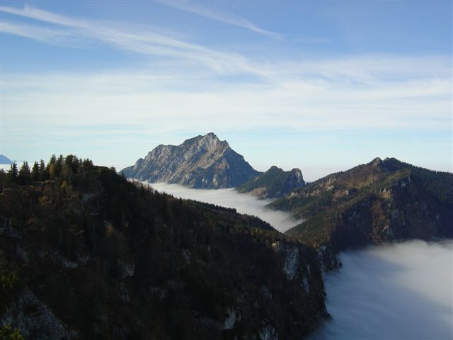 Foto: Alpinfreunde / Wander Tour / Von Gmunden auf den Zwillingskogel / 06.05.2007 06:40:06