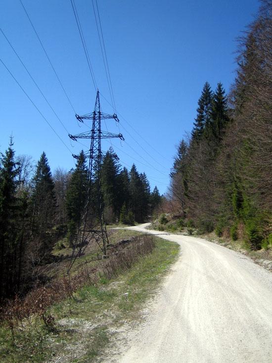 Foto: letsgoactive / Mountainbike Tour / Rund um den Staufen / Gleich nach dem Strommasten links abbiegen / 06.05.2007 16:43:57