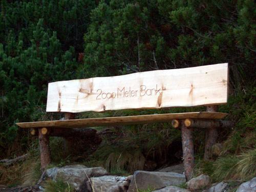 Foto: vince 51 / Wandertour / Von Gries im Sulztal auf den Hohen Seeblaskogel (3235m) / Steht auf Genau 2000 m Höhe am Weg von Winnebach zur Hütte / 06.05.2007 17:25:44