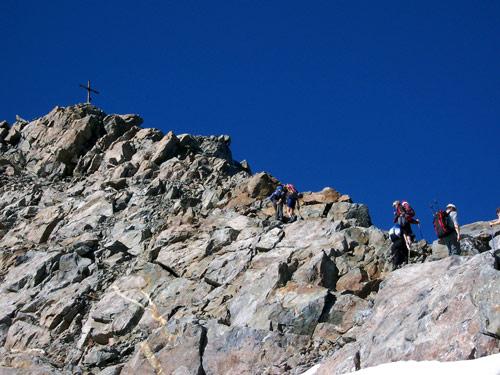 Foto: vince 51 / Wandertour / Von Gries im Sulztal auf den Hohen Seeblaskogel (3235m) / Am Gipfelgrat / 06.05.2007 17:16:41