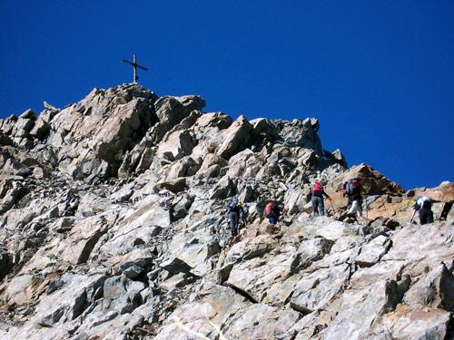 Foto: vince 51 / Wandertour / Von Gries im Sulztal auf den Hohen Seeblaskogel (3235m) / Am Gipfelgrat / 06.05.2007 17:16:28