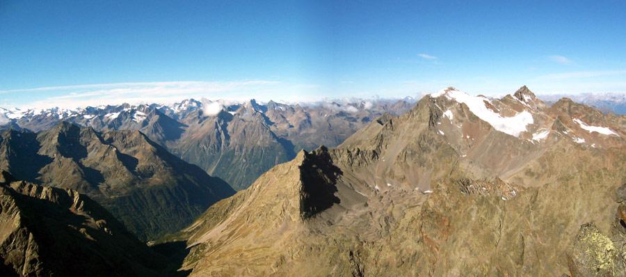 Foto: vince 51 / Wander Tour / Von Gries im Sulztal auf den Hohen Seeblaskogel (3235m) / Blick nach Westen / 06.05.2007 17:13:00