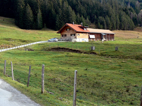 Foto: vince 51 / Wander Tour / Familienwanderung zur Reuter Wanne / Untere Reuterwannealpe / 06.05.2007 22:04:10
