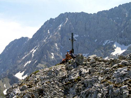 Foto: vince 51 / Wander Tour / Über den Hohen Gang zur Coburger Hütte und auf den Vorderen Drachenkopf (2302m) / 08.05.2007 22:16:02