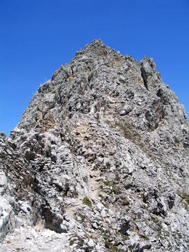 Foto: vince 51 / Wander Tour / Über den Hohen Gang zur Coburger Hütte und auf den Vorderen Drachenkopf (2302m) / Gipfelgrat / 08.05.2007 22:16:21
