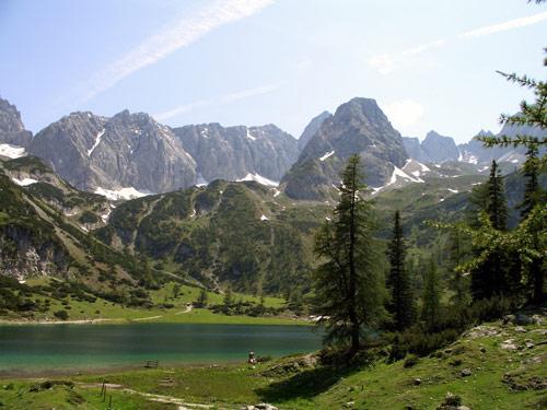 Foto: vince 51 / Wander Tour / Über den Hohen Gang zur Coburger Hütte und auf den Vorderen Drachenkopf (2302m) / Seebensee und Drachenkopf / 08.05.2007 22:17:19