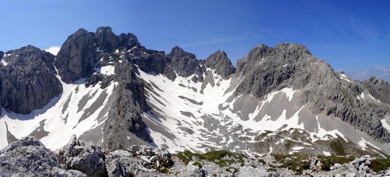 Foto: vince 51 / Wander Tour / Über den Hohen Gang zur Coburger Hütte und auf den Vorderen Drachenkopf (2302m) / Blick nach Süden / 08.05.2007 22:11:10