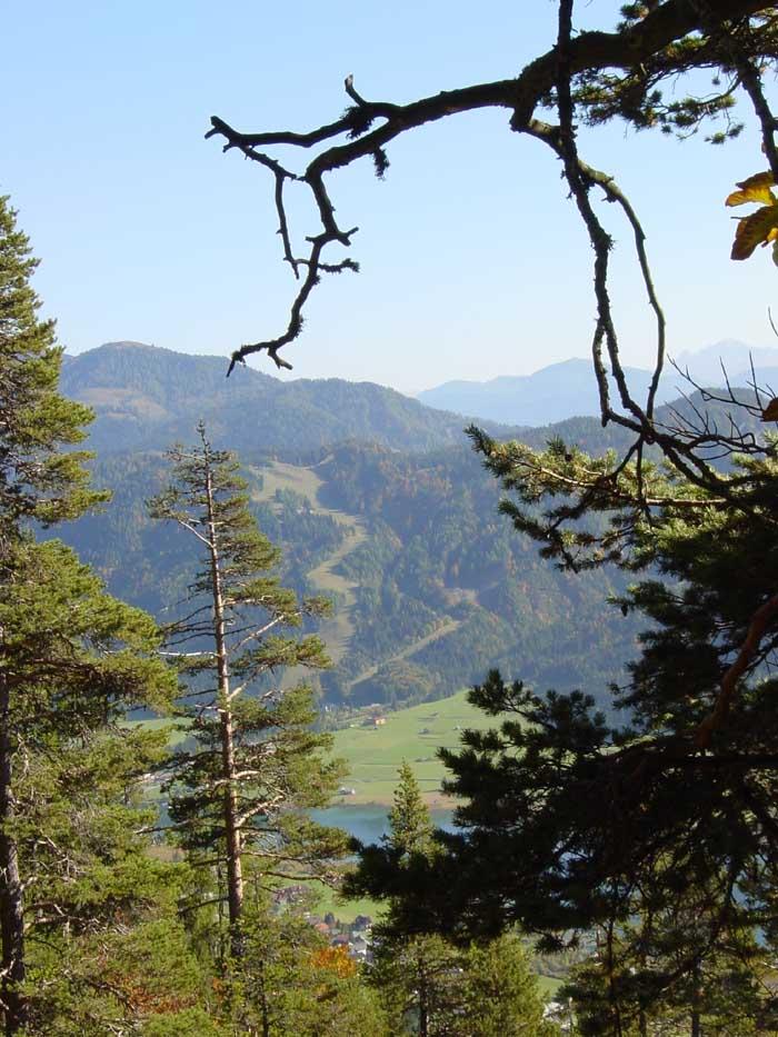 Foto: Corinna Mößlacher / Mountainbike Tour / Weiße Wand - Alm hinterm Brunn - Weissensee / 10.05.2007 11:58:29