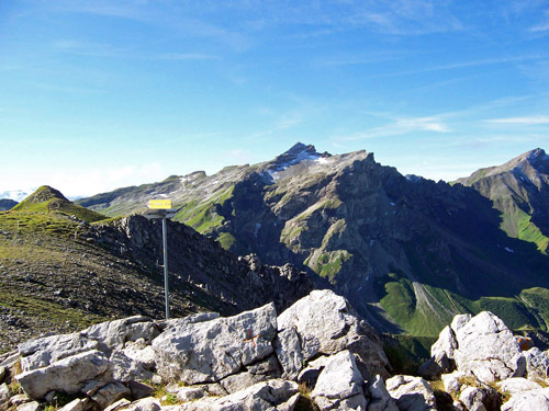 Foto: vince 51 / Wander Tour / Zwei-Gipfel-Rundtour / Naafkopf vom Augstenberg / 11.05.2007 23:23:24