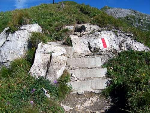 Foto: vince 51 / Wander Tour / Zwei-Gipfel-Rundtour / Am Weg von der Pfälzer Hütte zum Augstenberg / 11.05.2007 23:20:03