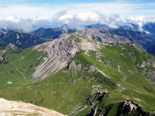 Foto: vince 51 / Wander Tour / Zwei-Gipfel-Rundtour / Augstenberg / 11.05.2007 23:16:44