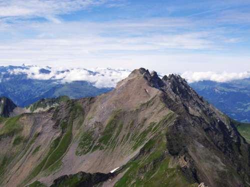 Foto: vince 51 / Wander Tour / Zwei-Gipfel-Rundtour / Grauspitz 2574m, höchster Berg Liechtensteins / 11.05.2007 23:15:51