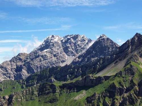 Foto: vince 51 / Wander Tour / Zwei-Gipfel-Rundtour / Panüeler Kopf, Salaruel-Kopf und Hornspitz / 11.05.2007 23:14:18