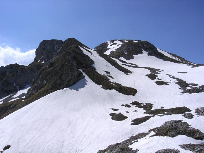 Foto: Andreas Koller / Wandertour / Über die Werfener Hütte auf Streitmandl und Eiskögel (2378  m) / Die Eiskögel mit Normalroute von NO / 15.05.2007 00:53:48