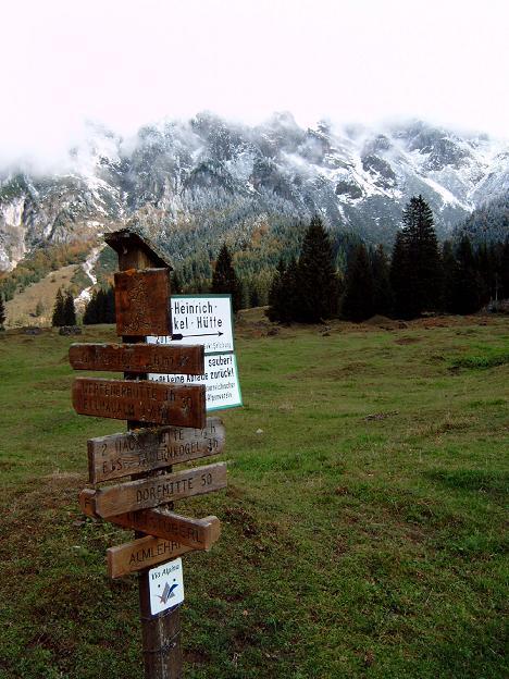 Foto: Andreas Koller / Wandertour / Über die Werfener Hütte auf Streitmandl und Eiskögel (2378  m) / In der Wengerau / 15.05.2007 00:55:24